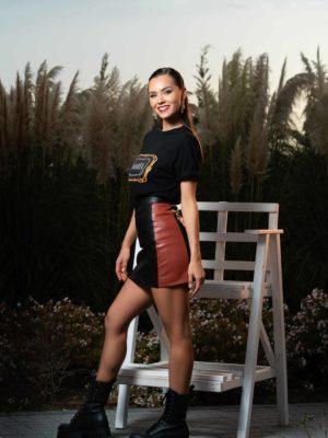 Черна пола с червено и модерна шикозна тенсика от MAREA Moda