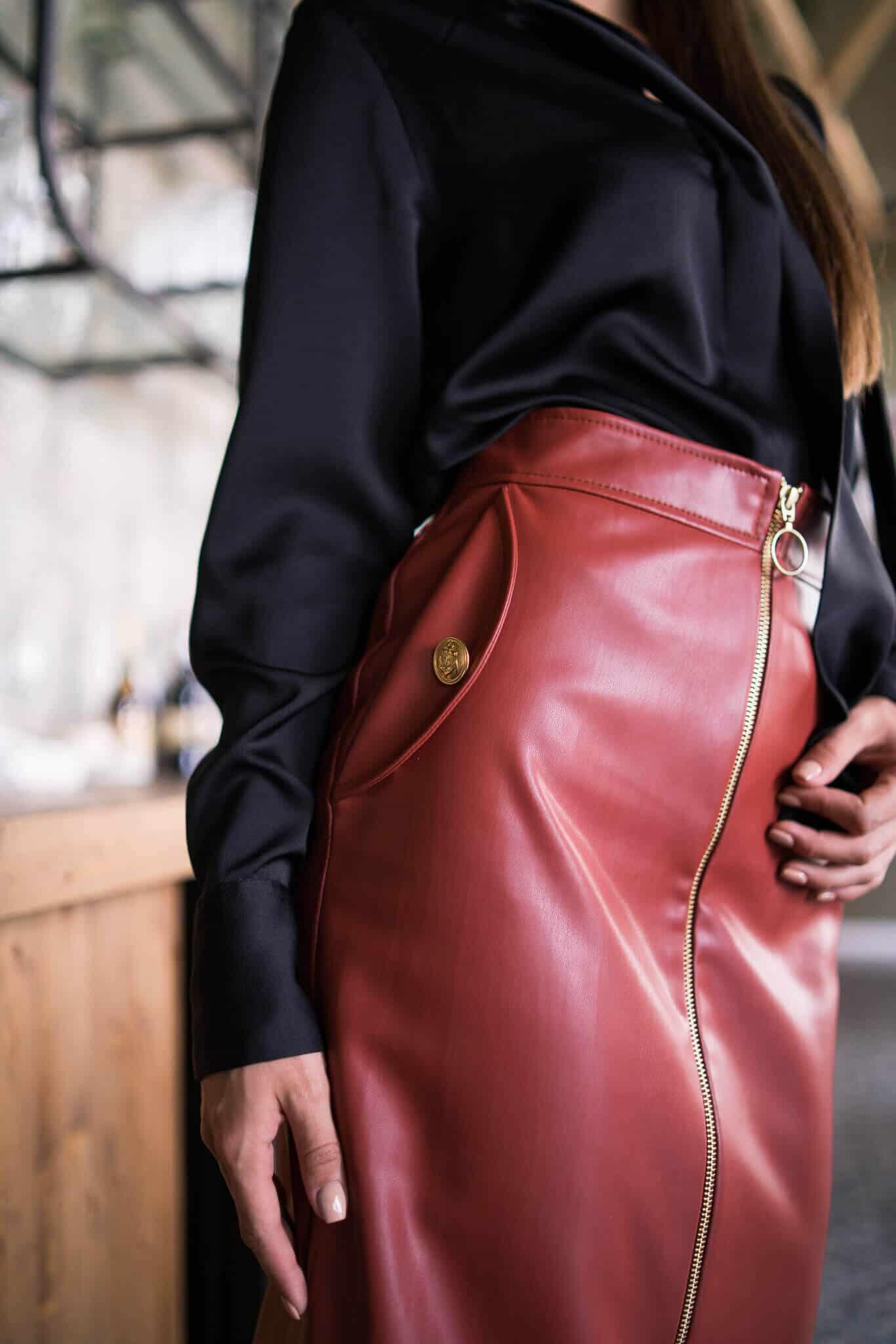 Кожена пола с цип цвят карамелизиран бадем