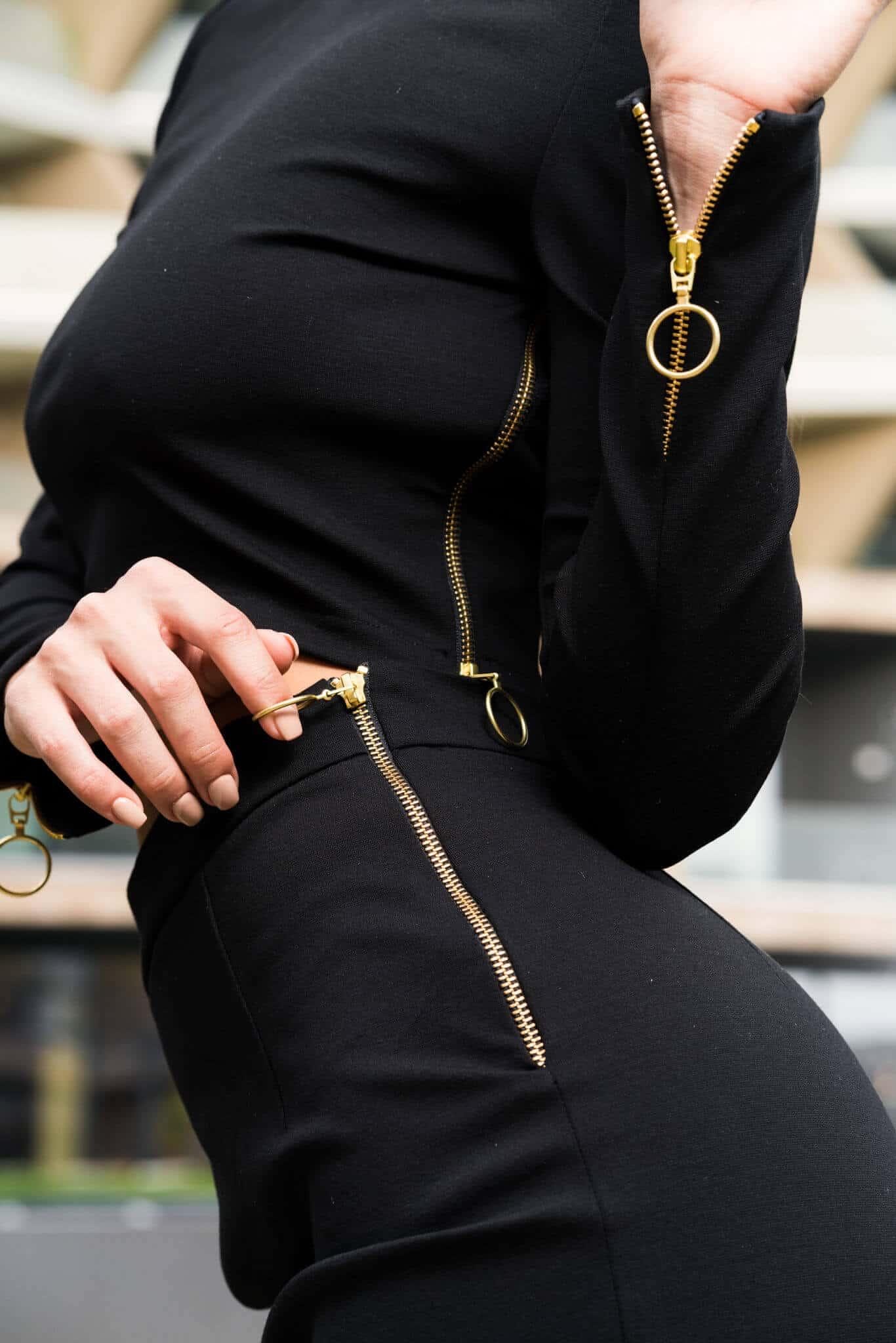 Елегантен дамски сет от две части в черно
